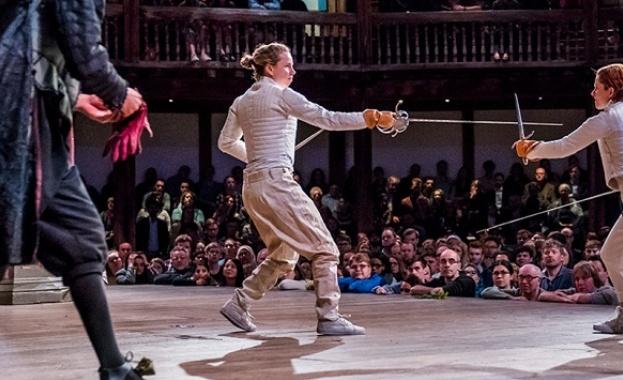 """Британският театър """"Глобус"""" с представления онлайн"""