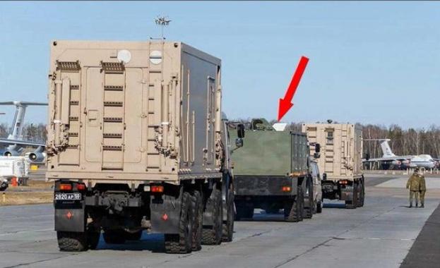 """Руската армия в Италия използва комплекса за аерозолна дезинфекция """"Орлан"""""""