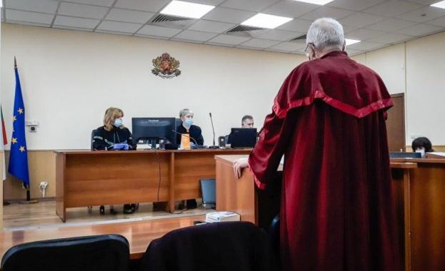 Окончателно: Бившата шефка на болницата в Раднево остава в ареста