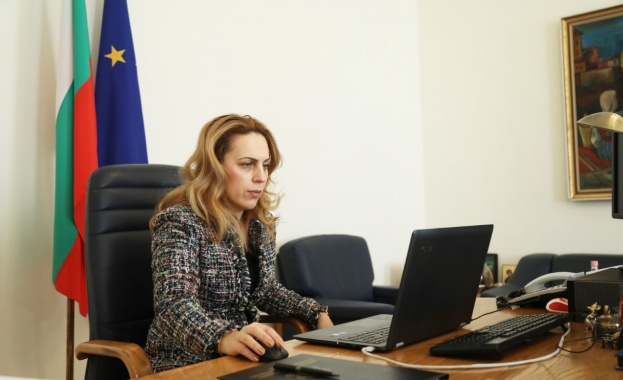 Националният съвет за тристранно сътрудничество /НСТС/, на основание на Закона
