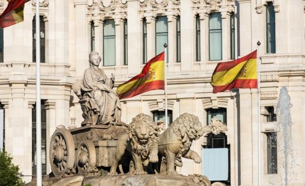 Испания забрани погребалните церемонии, включително бденията у дома, и постанови,