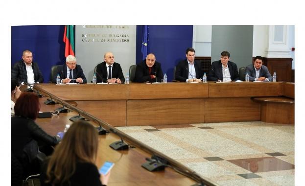 На извънредното правителствено заседание бяха приети и промени в Правилника