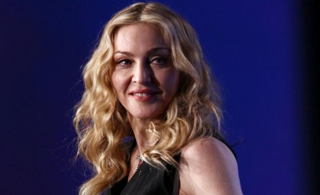 Суперзвездата Мадона беше подложена на цензура в Инстаграм за разпространение