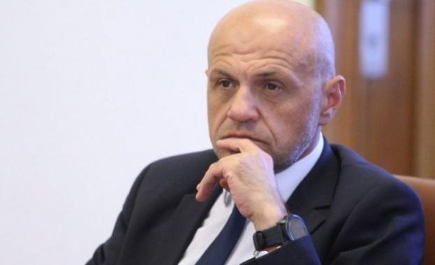 Томислав Дончев чува гласа на Борисов в част от записите, в друга - не