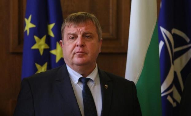 Вицепремиерът и министър на отбраната Красимир Каракачанов призова въпреки пандемията