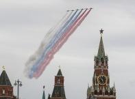 Внушителен авиопарад в Русия за Деня на победата
