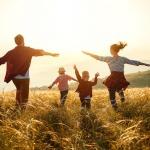"""""""Индекс на щастието"""": Въпреки пандемията българите са по-щастливи от миналата година"""