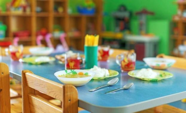 Започва поетапно отваряне на детските градини и ясли в страната