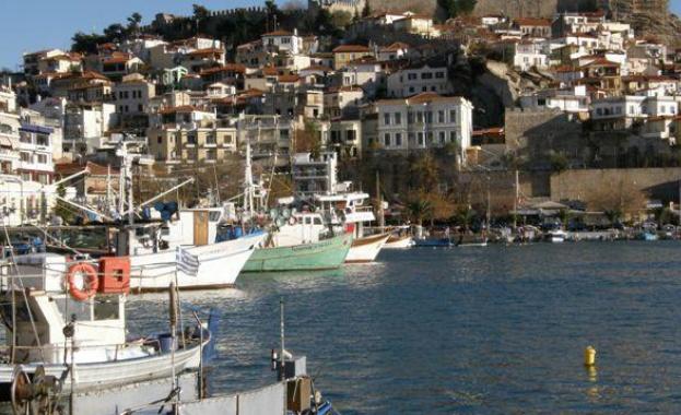 Хората от Югозападна България откриват летния сезон на гръцкото море