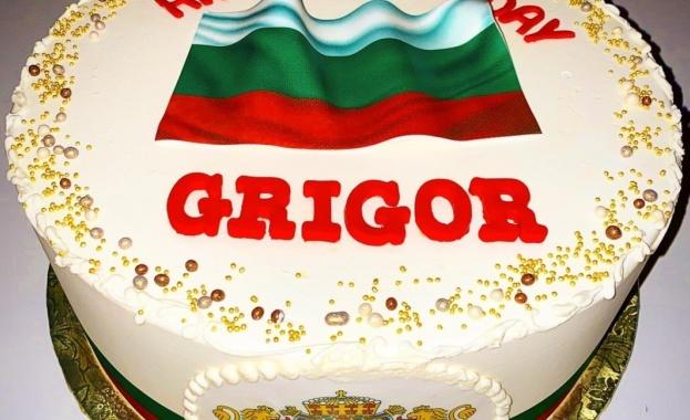 Григор Димитров получи торта с националния трибагреник за рождения си ден