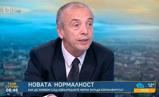 Мангъров: В България няма много възрастни, затова няма висока смъртност от вируса