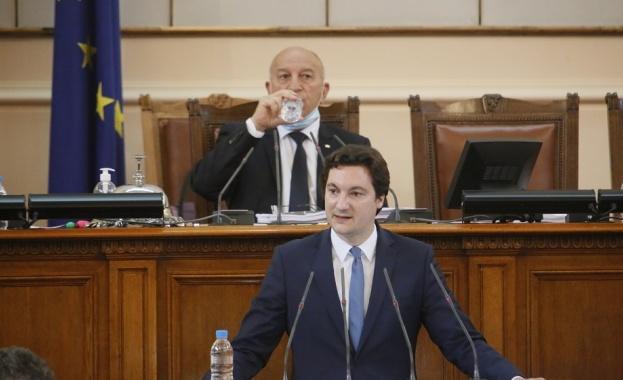Крум Зарков: Мониторингът за България остава, но и правосъдният министър остава