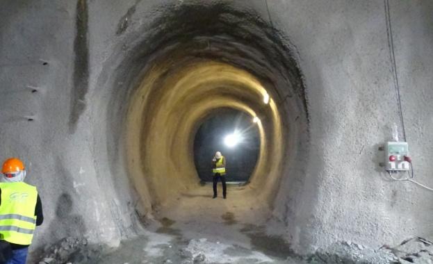 850 м прокопани от най-дългия тунел у нас, ще е готов догодина