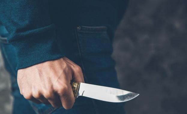 Мъж наръга с нож друг пътник в бързия влак София-Бургас