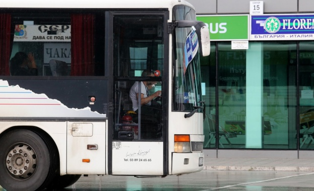Сравнително спокоен е международният автобусен трафик на столичната автогара. В