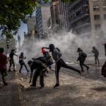Пандемията започва да отключва социалния гняв в Латинска Америка
