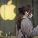 Директорът на Apple Тим Кук вече е милиардер