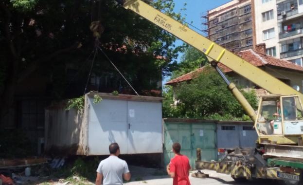 Община Ловеч продължава премахването на незаконно построени обекти в града.