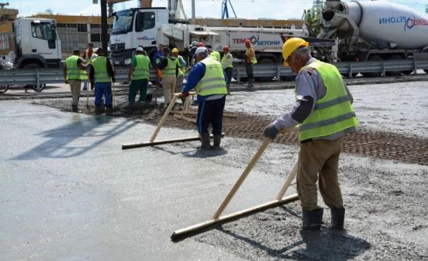 Напредват ремонтните дейности по съоръжение 6 на Аспаруховия мост във
