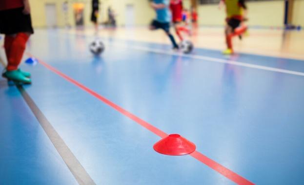 Спортисти, треньори и длъжностни лица са длъжни да почистват контактните
