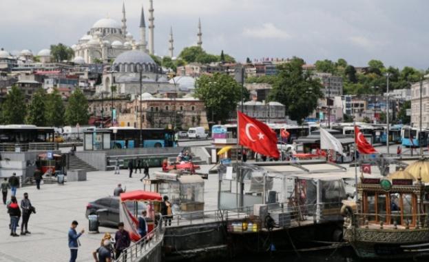Турция най-после започва облекчаване на ограниченията въведени при борбата с