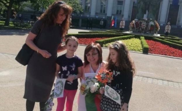 Корнелия Нинова на 1 юни: Семейството е опора и сила за нашите малчугани