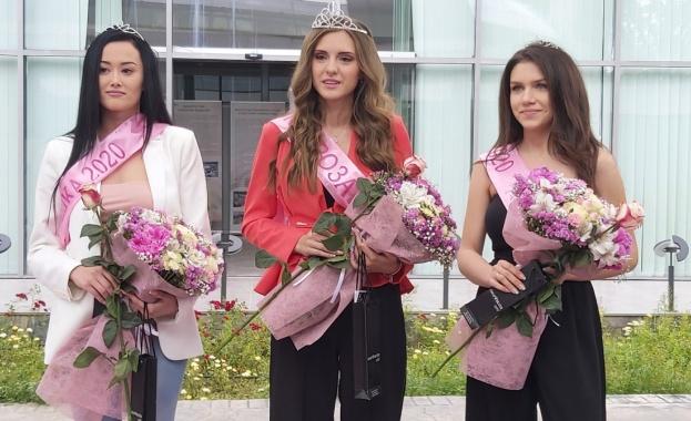 18-годишната Мария Петрова е новата Царица Роза на Казанлък. Всяка