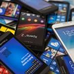 Срив при глобалните продажби на смартфони заради пандемията