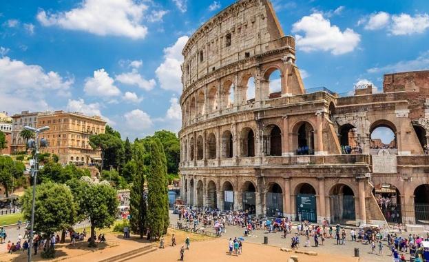 Известният римски Колизеум отново отваря за посетители след тримесечно блокиране,