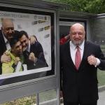 Министър Кралев посети изложбата на спортния фотограф Иван Йочев
