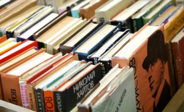 """Втори шанс за книги, които са """"ненужни"""", предоставя собственичката на"""
