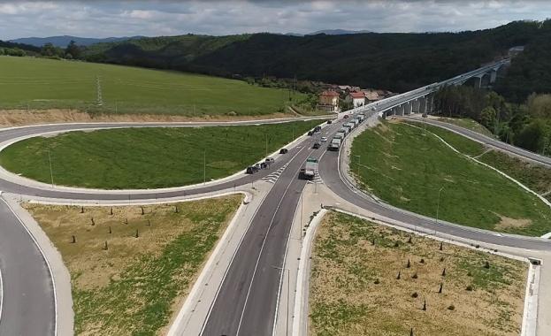 До септември стартира рехабилитацията на 47 км от пътя Русе