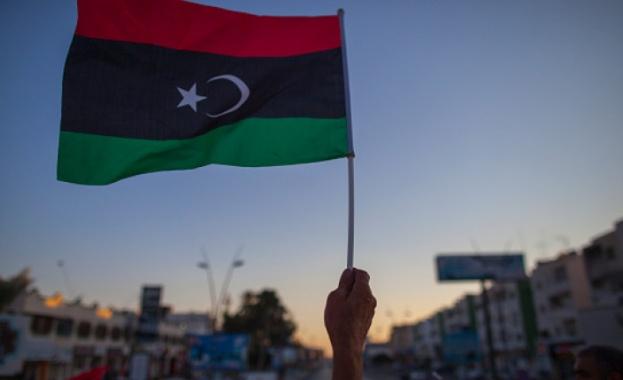 Признатото от международната общност правителство на Либия си върна пълния