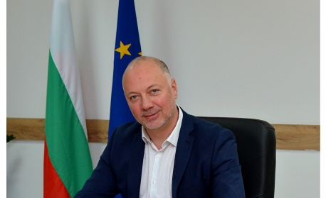 Министър Росен Желязков: Финансовите програми в телекомуникациите ще укрепят цифровия суверенитет на Европа
