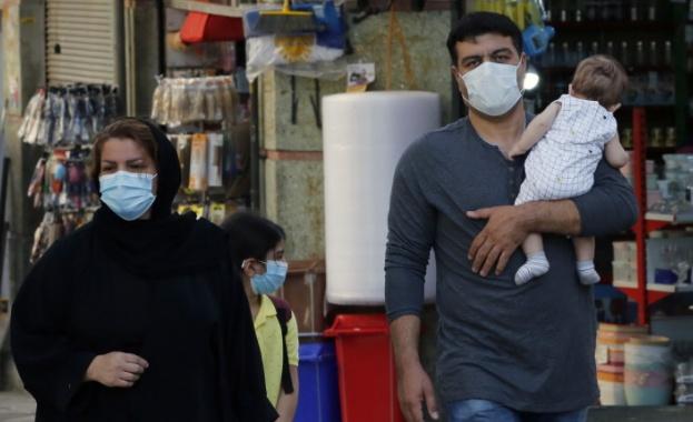 Новозаразените с новия коронавирус в Иран леко са се понижили