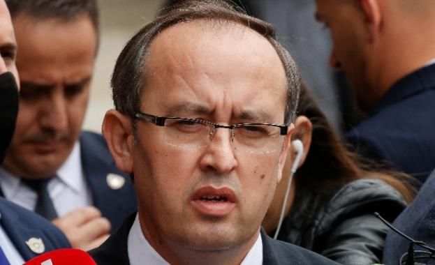 Прищина настоява сръбските власти да спрат кампанията срещу признаването на