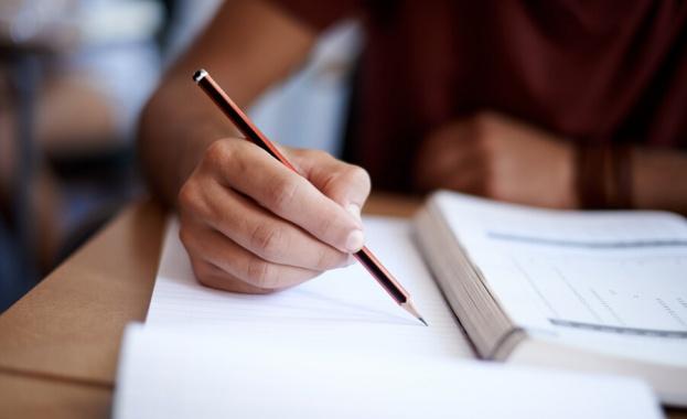 Директори настояват от 1 юни да се възстанови присъственото обучение за всички ученици