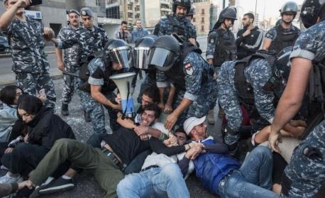 В Бейрут се готвят за най-големия антиправителствен протест след обявяването на карантината