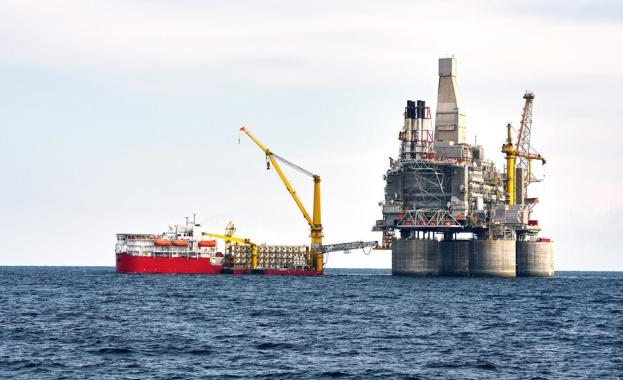 Същевременно беше съобщено, че световните запаси от петрол през първото