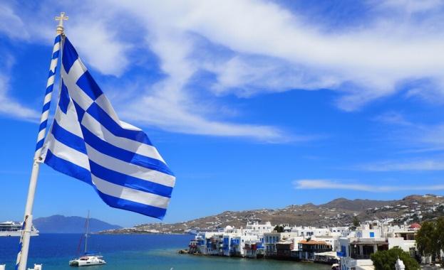 Гръцките власти удължиха всички действащи досега ограничения за влизане на