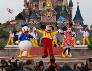 Парижкият Дисниленд отложи с 2 месеца отварянето си