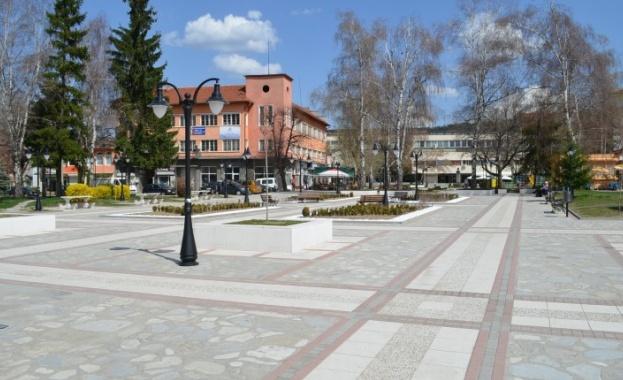 6 учители в Самоков са дали положителни проби за коронавирус.