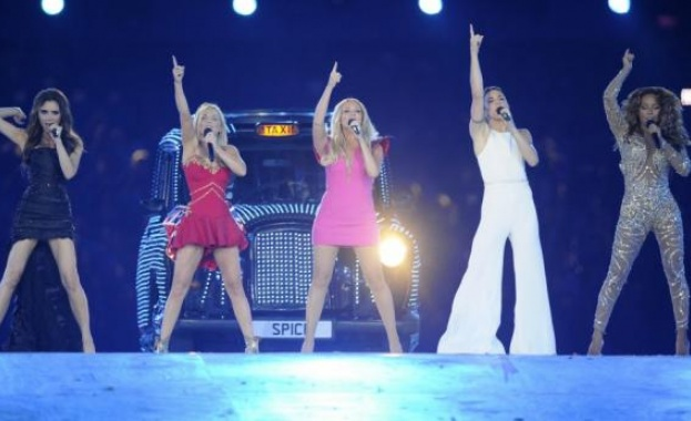 Момичетата от Spice Girls искат да направят второ турне, този път то трябва да е с Виктория Бекъм