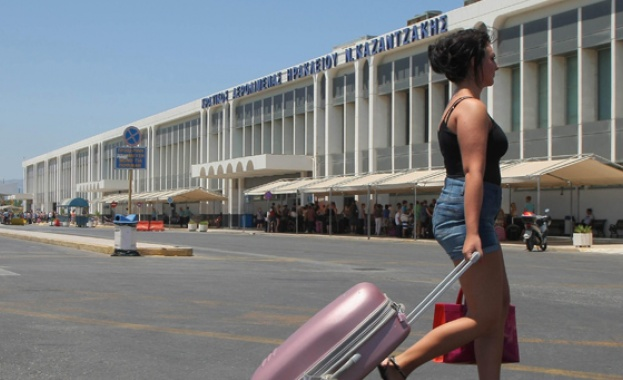 Гърция ще допуска всички международни полети в летищата си от