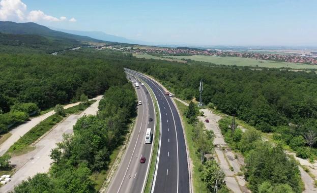 """Движението от км 80 до км 55 на АМ """"Тракия"""" в посока София ще се осъществява в една лента"""