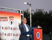 Кандидат-премиер на Северна Македония обеща мултиетнически химн и задължителен албански език
