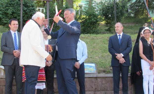 На тържественото честване на празника на Белоградчик - Петровден, кметът