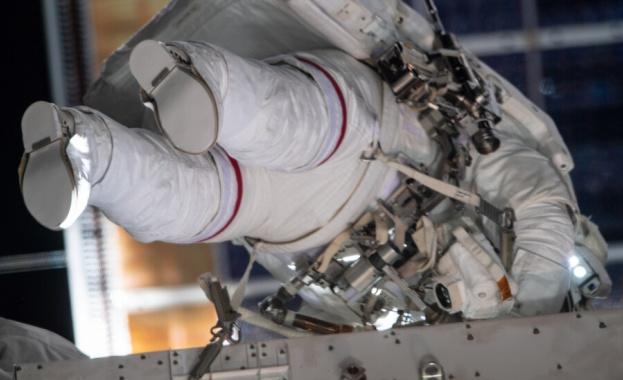 Очаква се да приключат работа за шест часа Американските астронавти