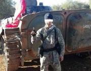 Майката на обвинения в тероризъм: Снимките са само поза