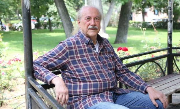 Кирил Маричков: Пиша книга и продължавам да сънувам музика